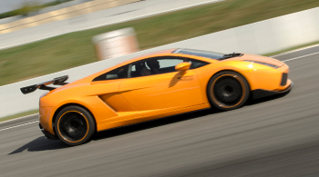 LAMBORGHINI IN RACETRACK